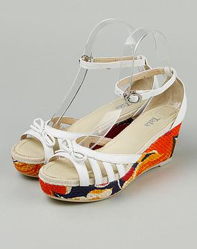 他她tata女款白色羊皮坡跟凉鞋