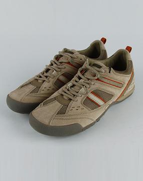 健乐士geox男款米/橘色运动鞋