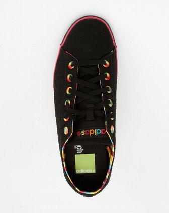 女款黑色圆圈休闲帆布鞋g31525