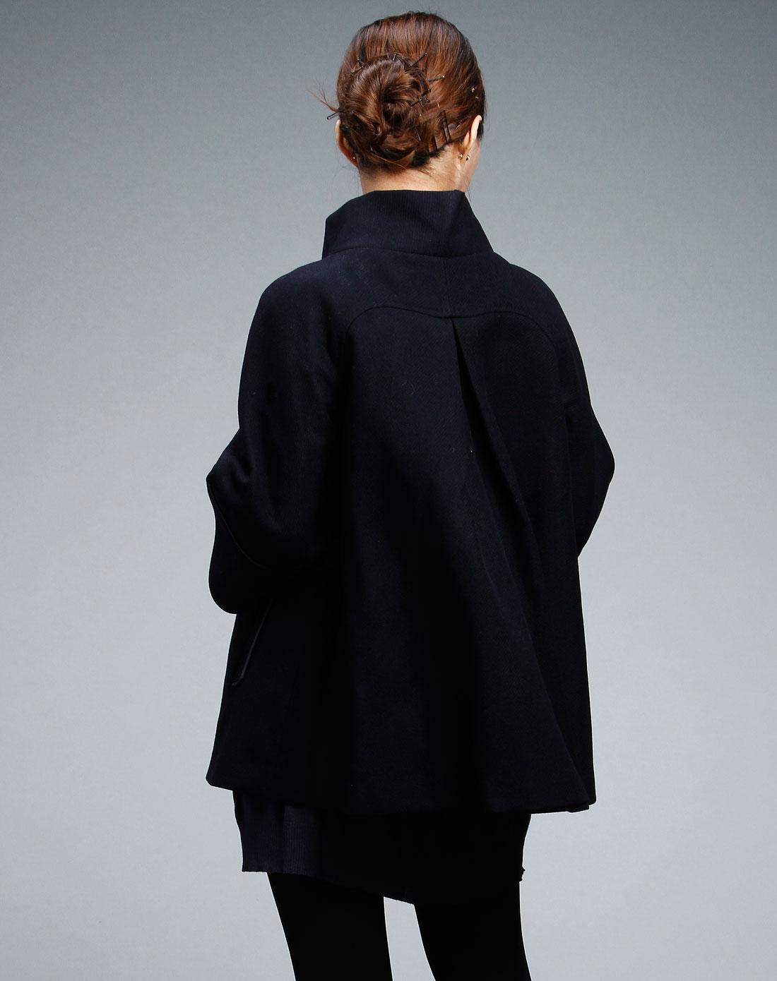 藏青色立领中袖大衣