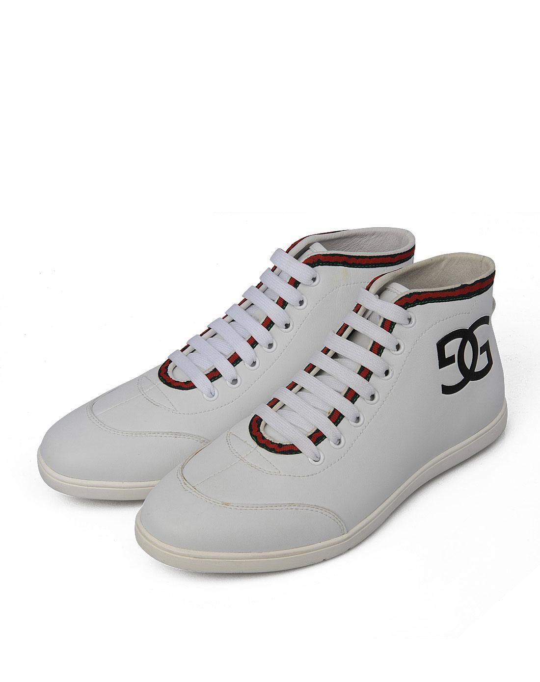 款白色休闲皮鞋
