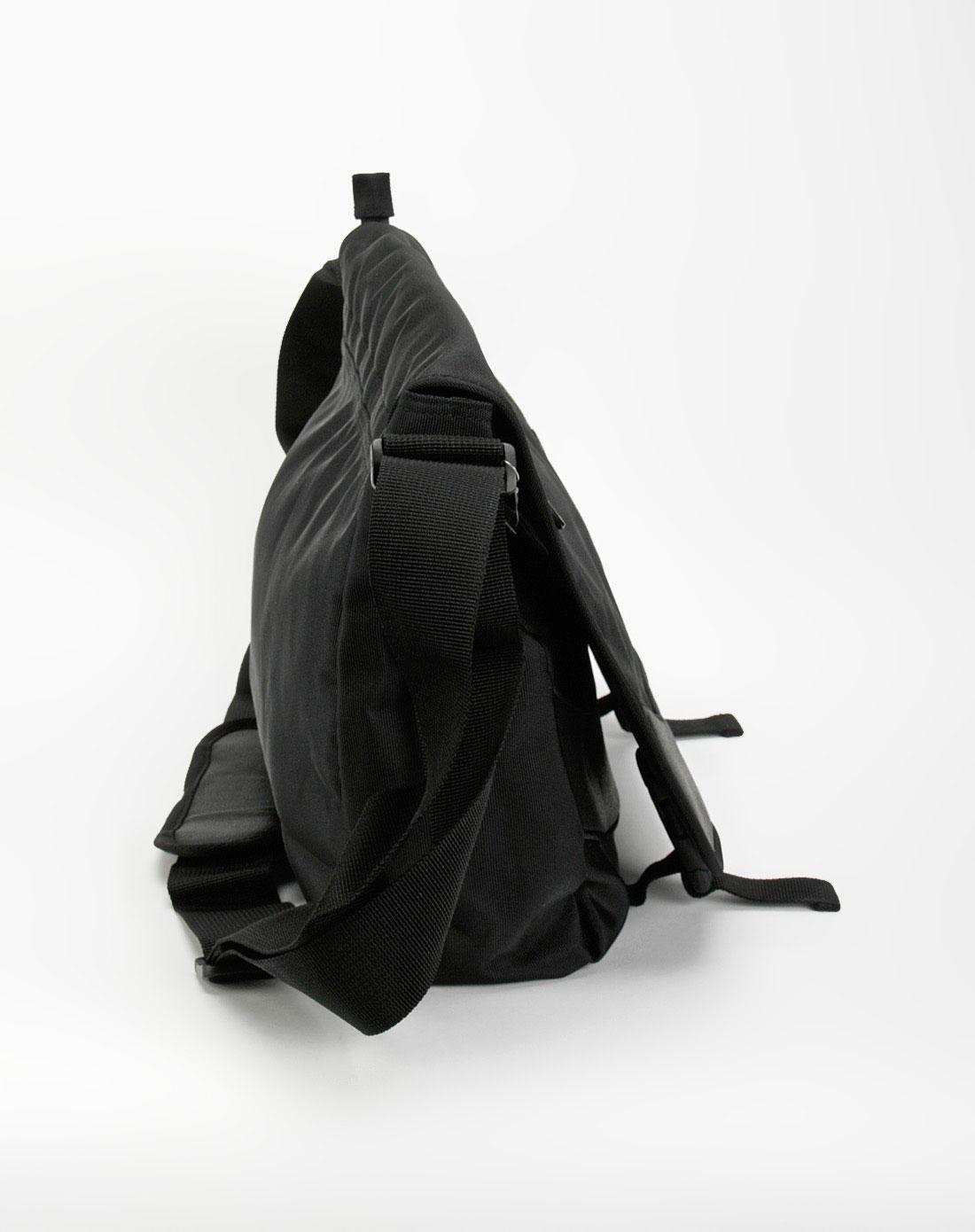 中性纯黑色斜挎包_kappa官网特价1