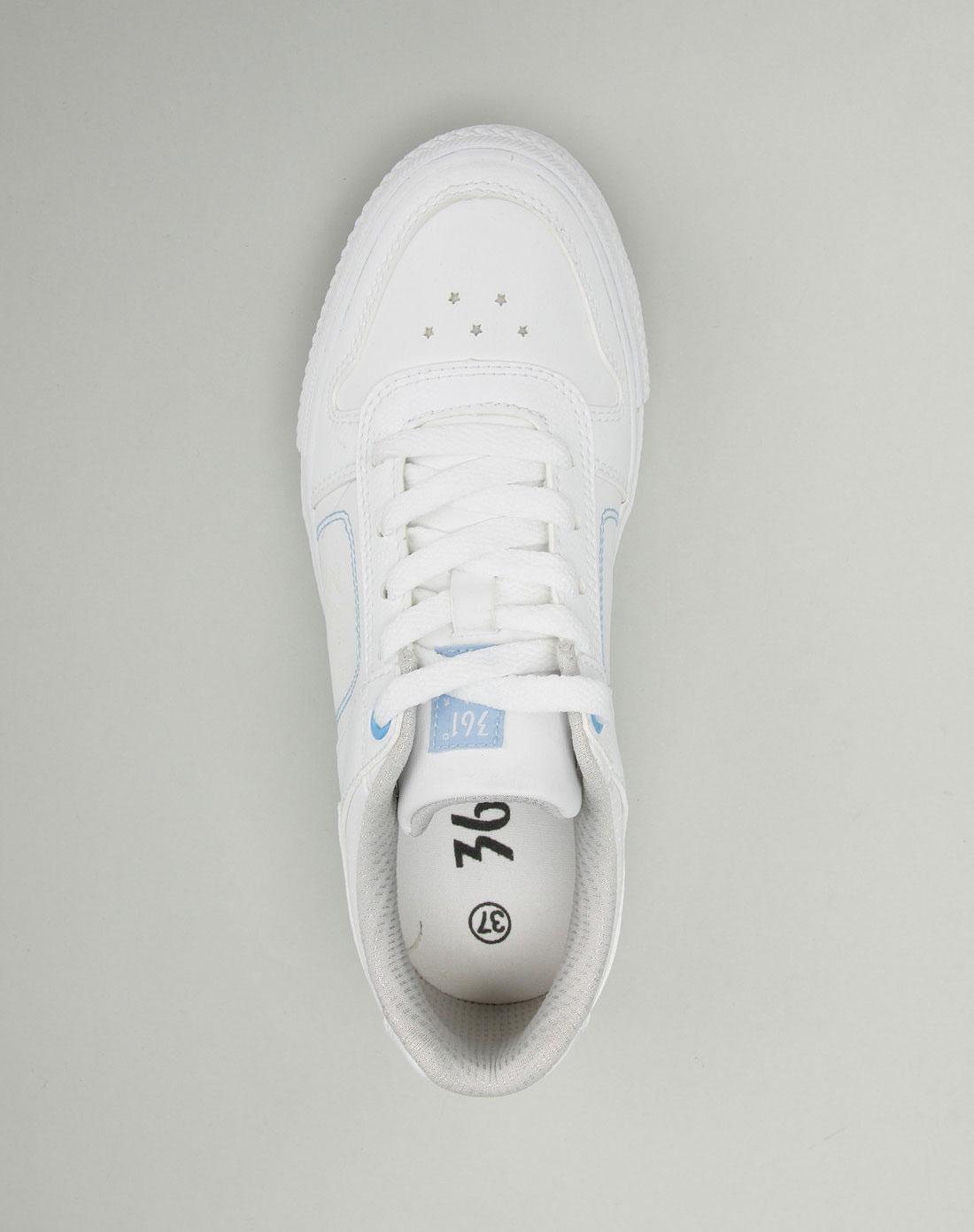 361°女款白/浅蓝色系带运动鞋