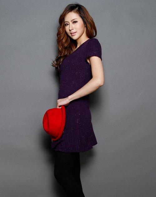 紫色圆领休闲短袖毛衣