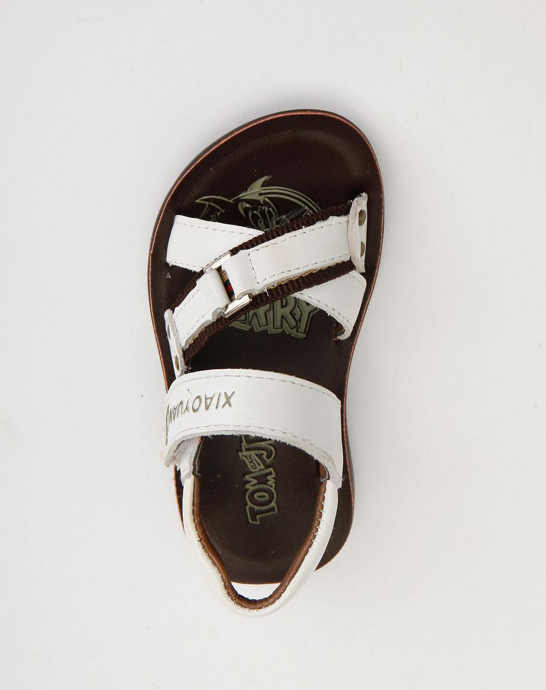 男童白色休闲凉鞋