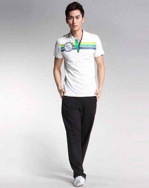 商品名称:三叶草 男款米白色短袖polo衫 在色彩搭配,素材选择