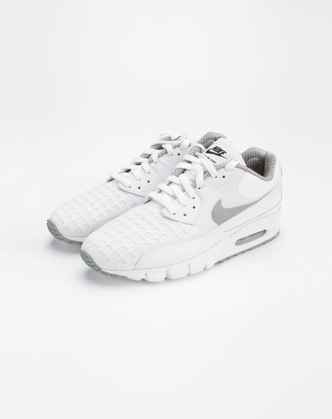 耐克nike白色时尚休闲绑带运动鞋