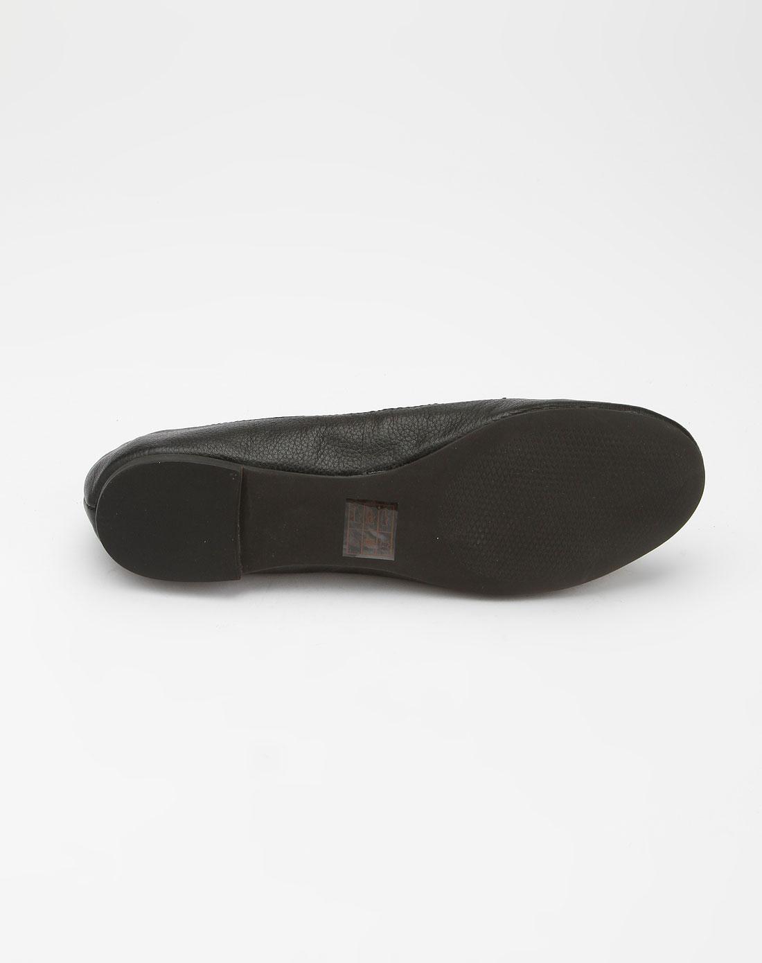 steve madden黑色时尚铆钉单鞋