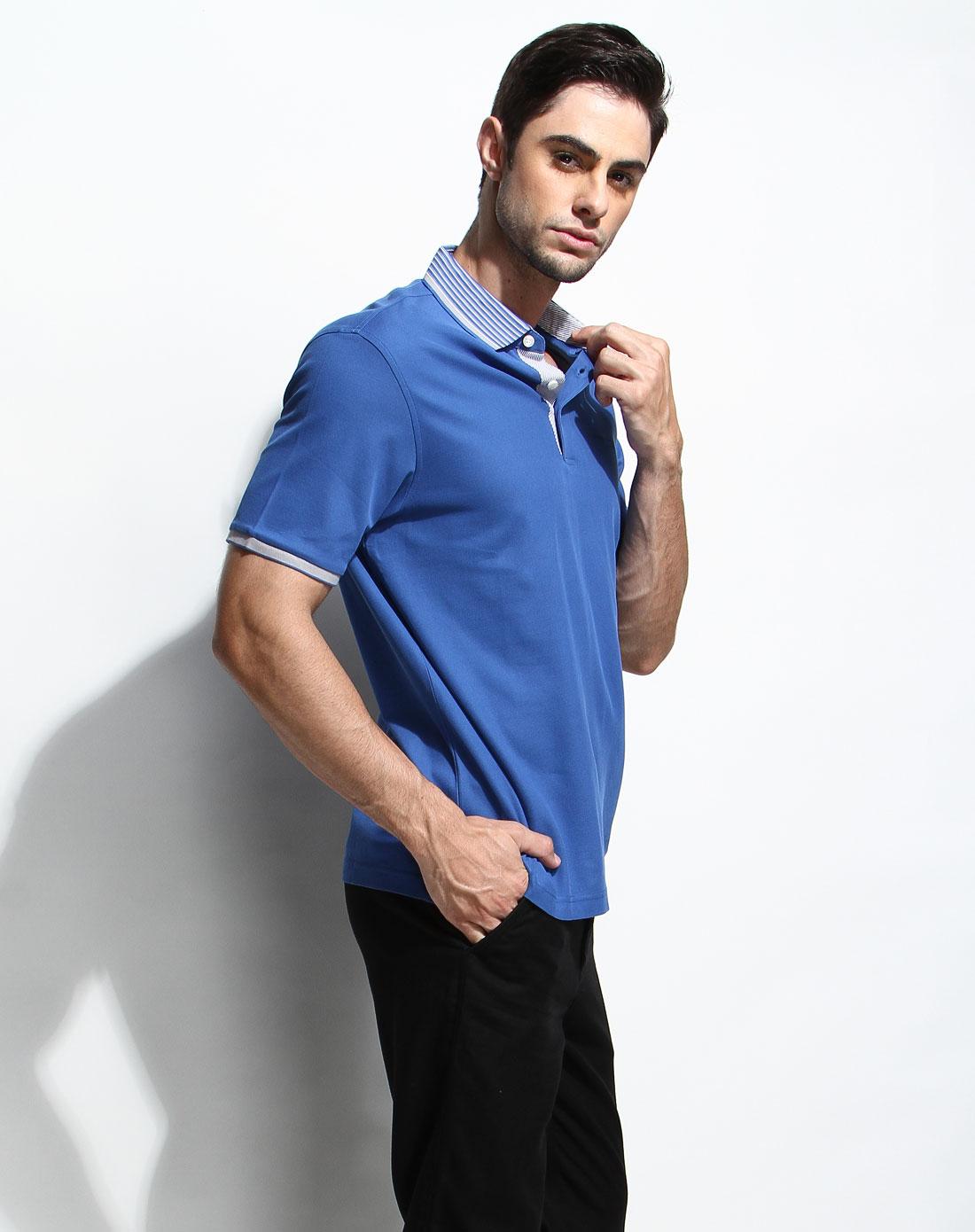 蓝色翻领休闲短袖t恤