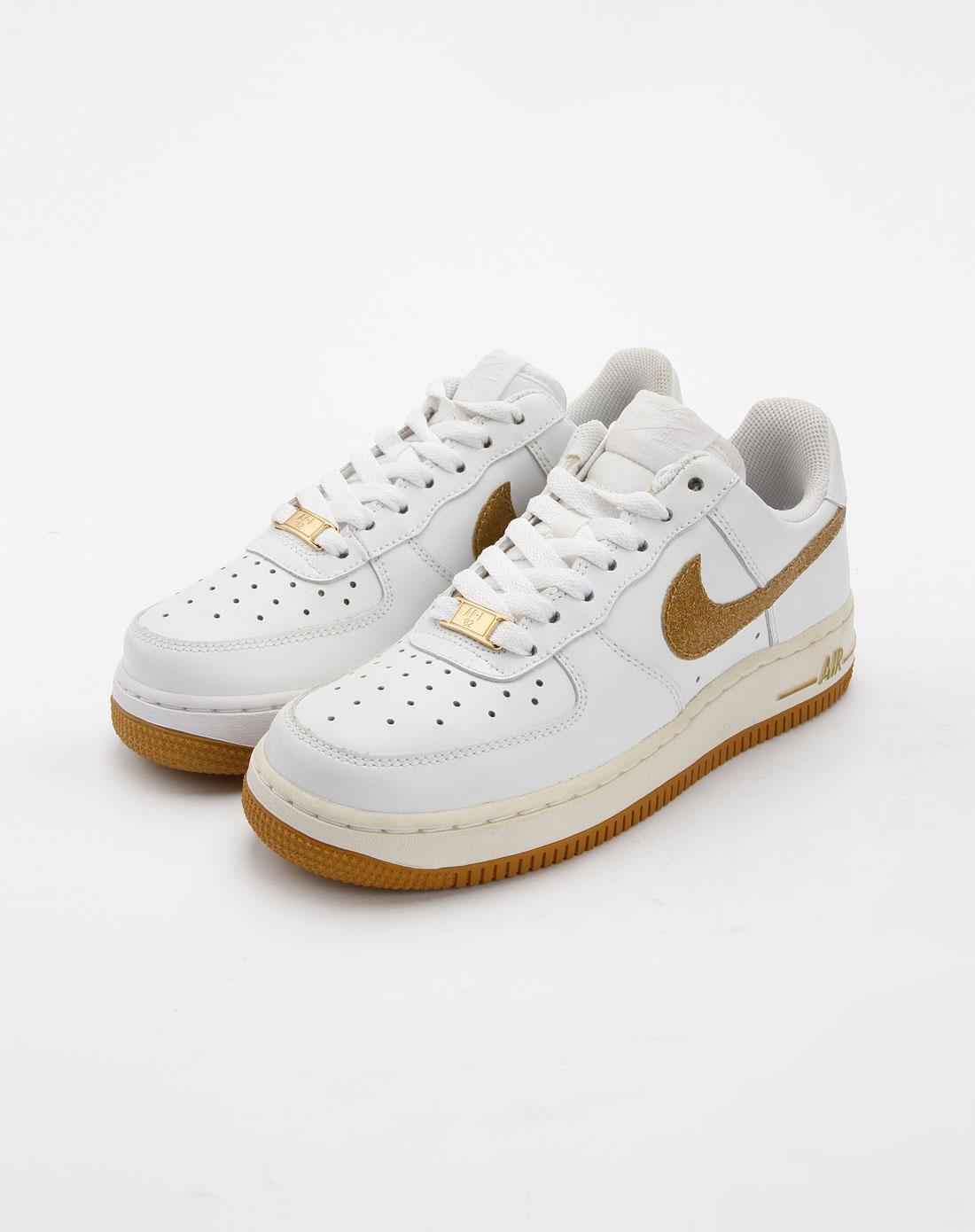 耐克nike白色休闲运动鞋