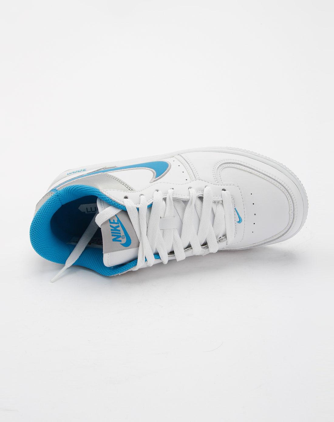 耐克nike白色时尚运动鞋