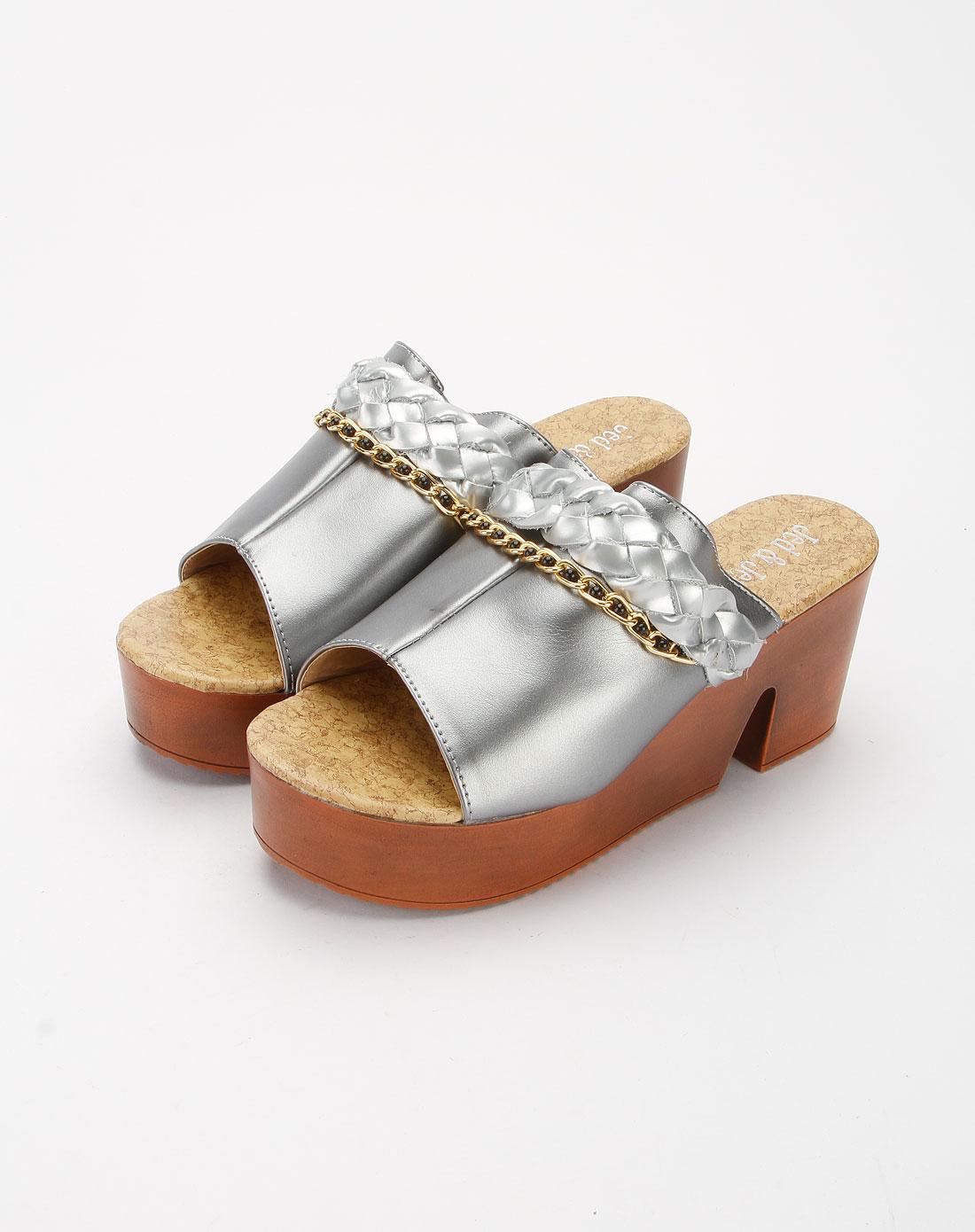 尚个性厚底高跟拖鞋