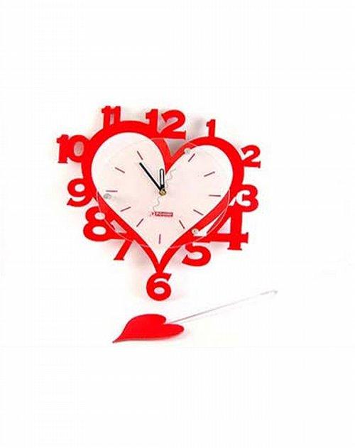 西马xima         商品名称:心形摇摆挂钟 双层亚克力材料,采用镂空