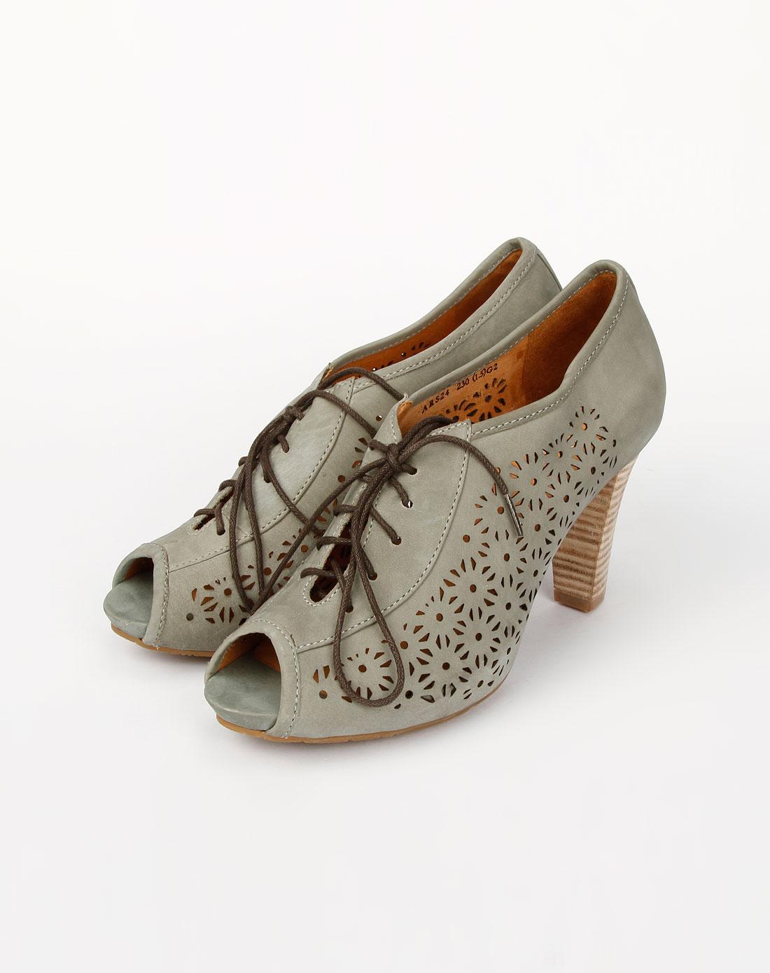 bata 鞋 女