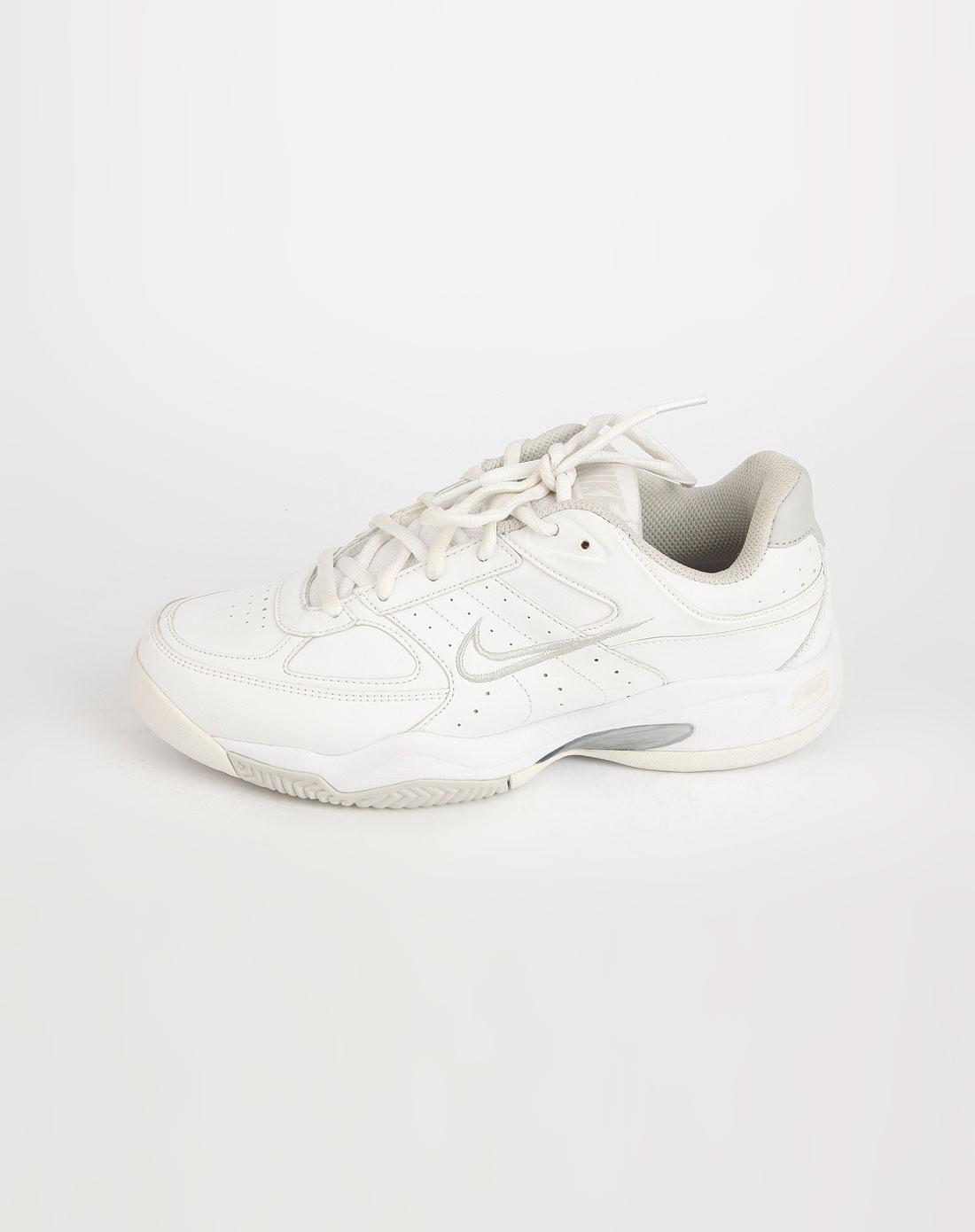 耐克nike-白色运动鞋1