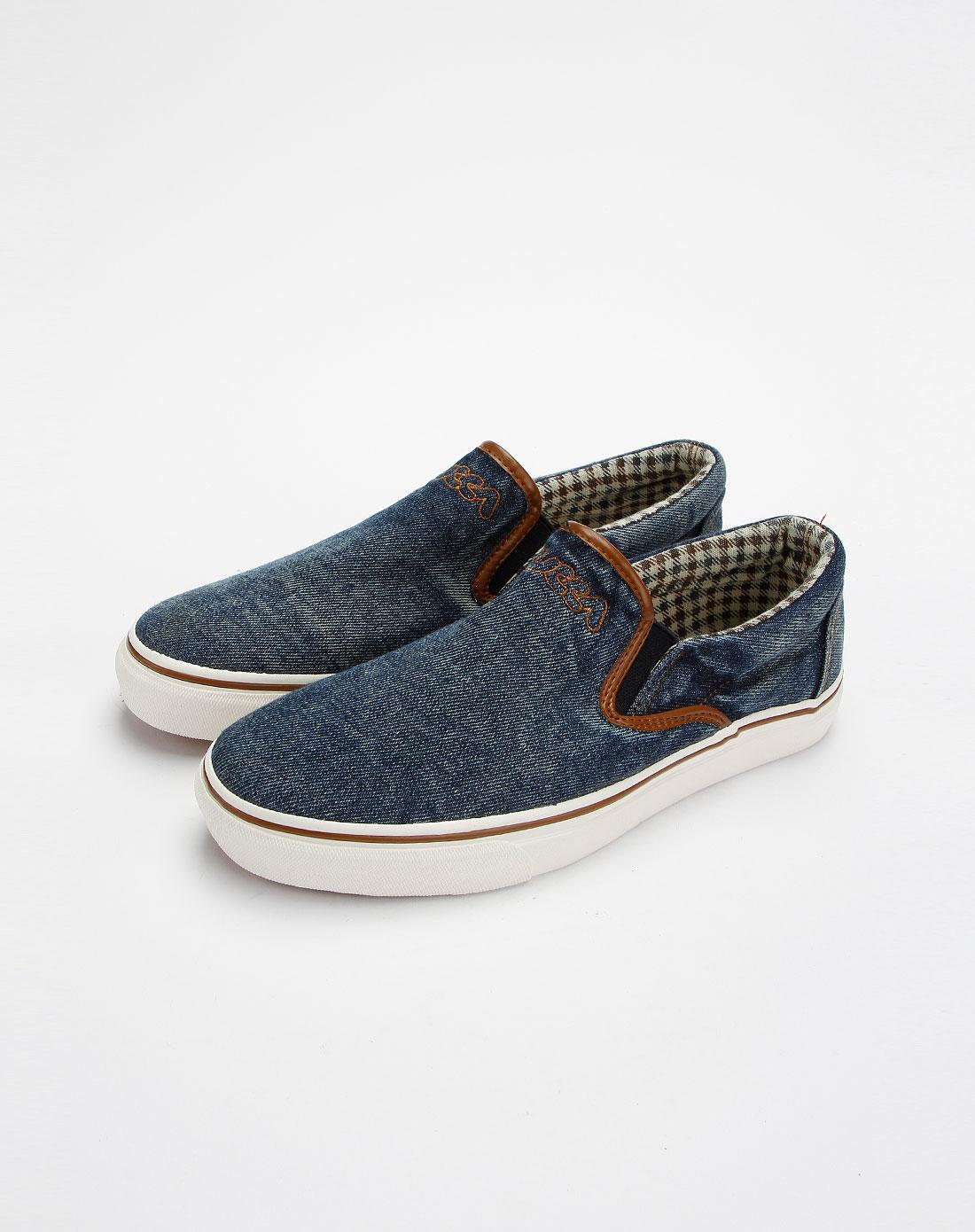 男款蓝色帆布鞋