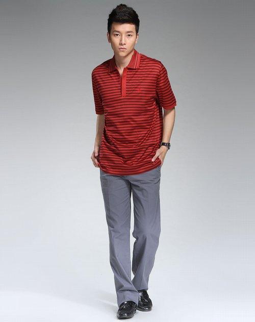 红色条纹时尚短袖t恤