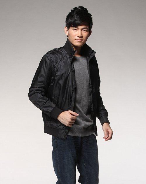 森马男装专场黑色透气拉链长袖外套图片