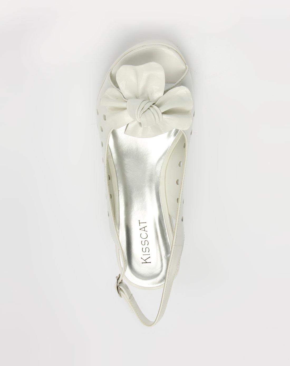 白色时尚镂空高跟凉鞋