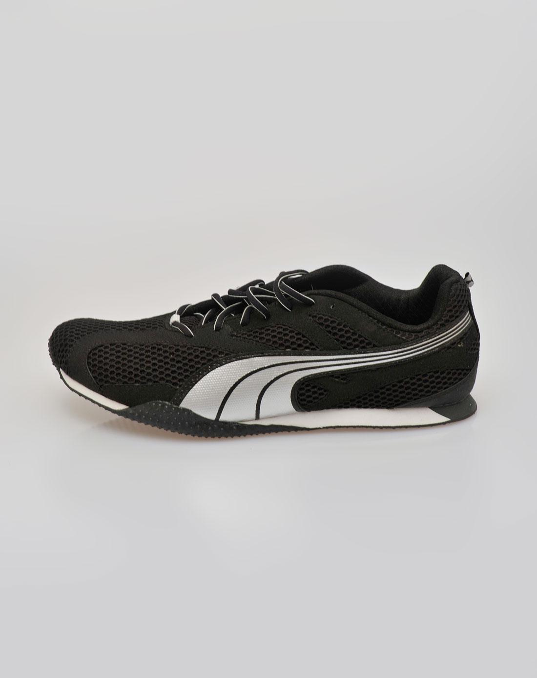银色鞋子18435502