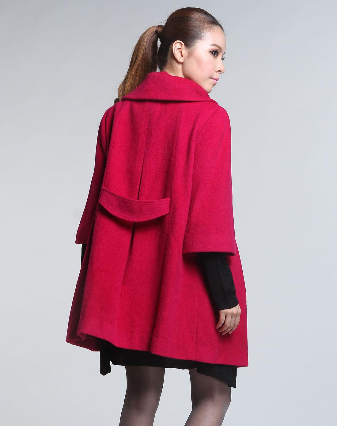红色毛呢中袖大衣