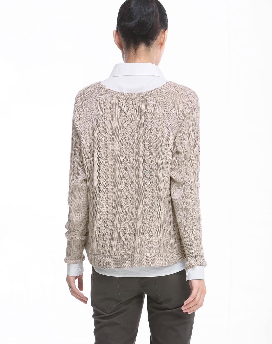 浅驼色织花纹时尚长袖毛衣