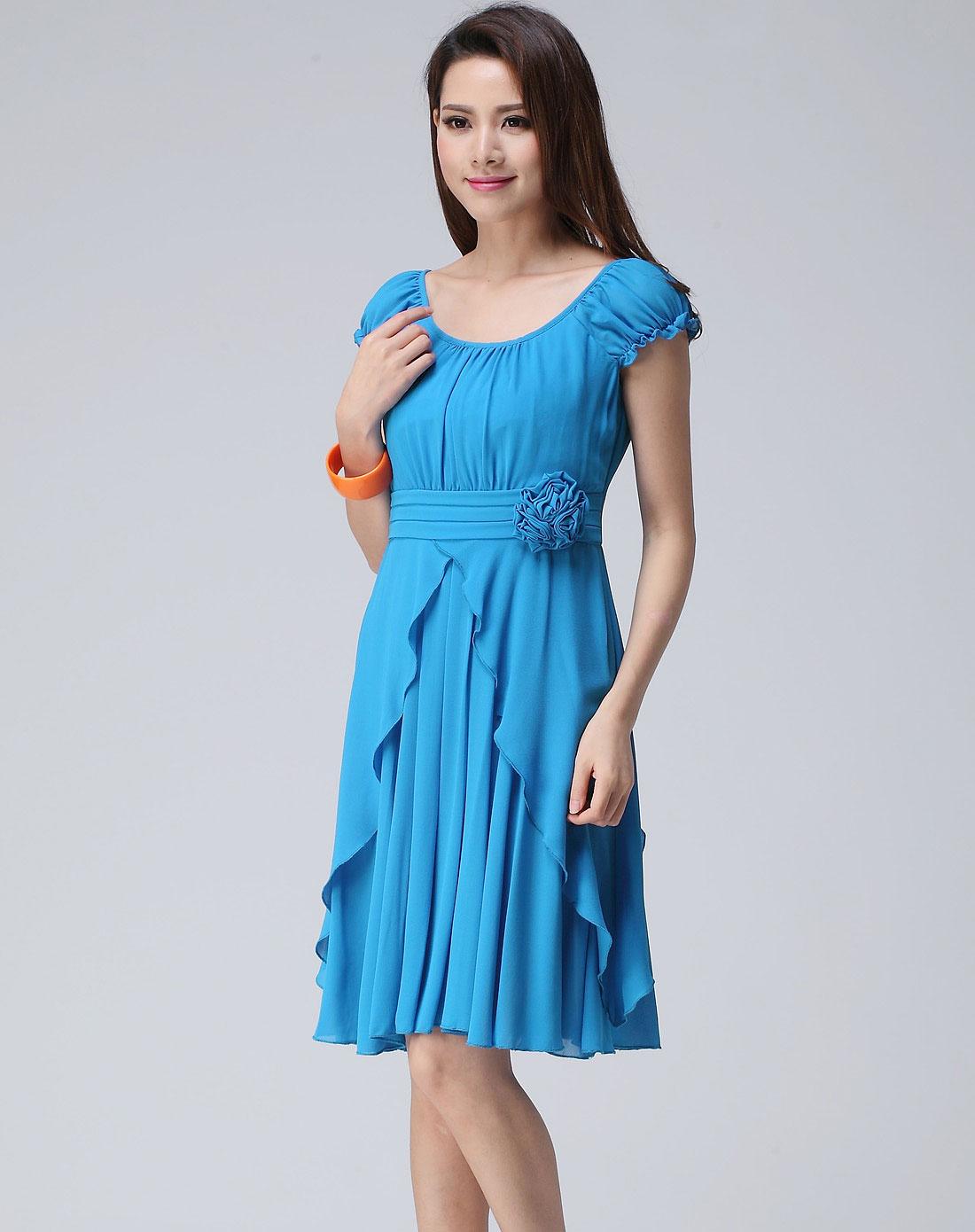 女款蓝色连衣裙