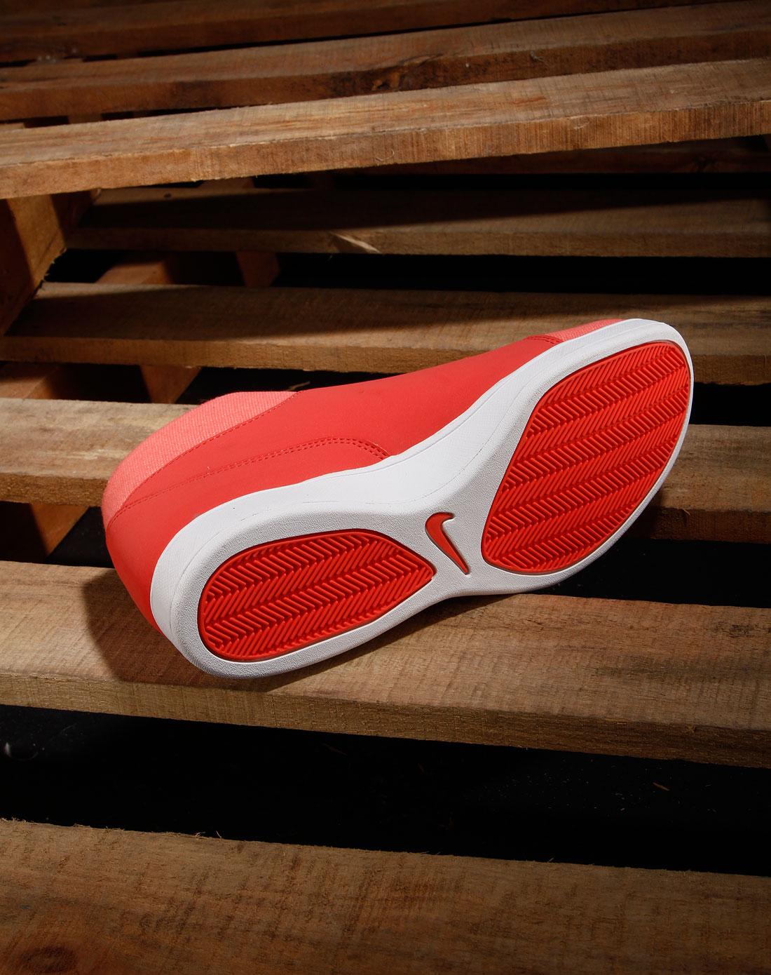 耐克nike女士专场 > 女款红/白色绑带时尚高邦运动鞋