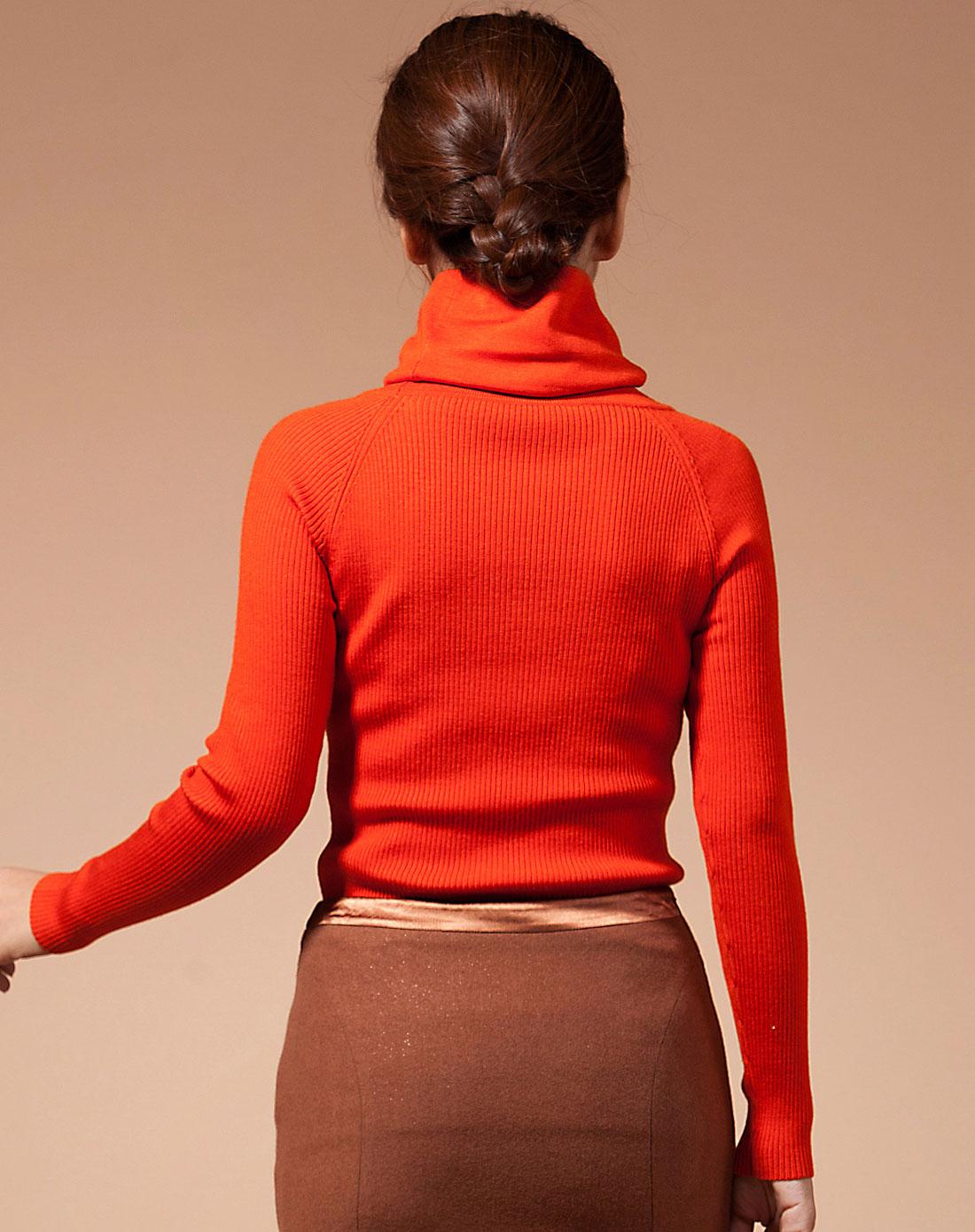 衣香丽影橘红色高领斜扣钮长袖毛衣928907817