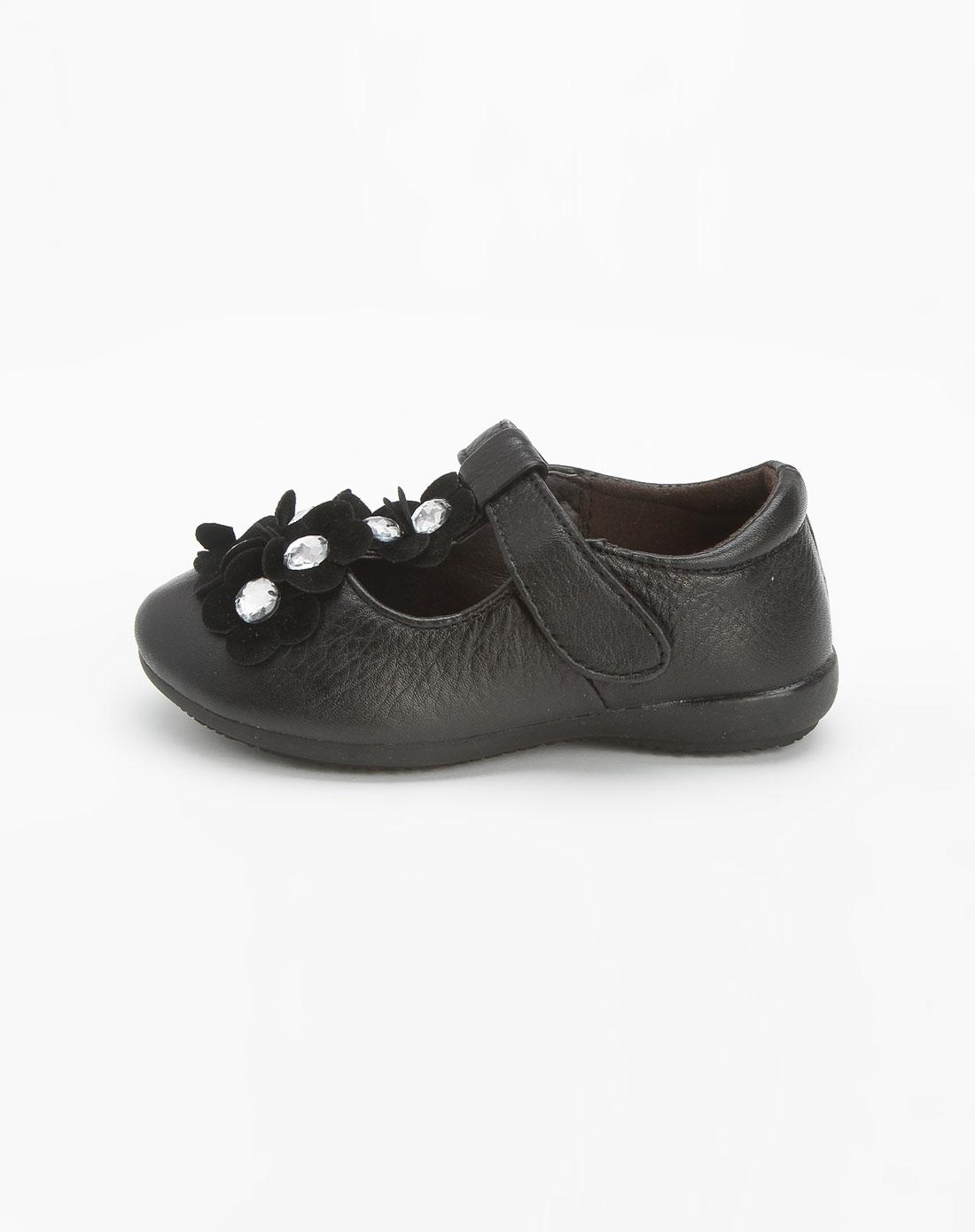 女童黑色皮鞋