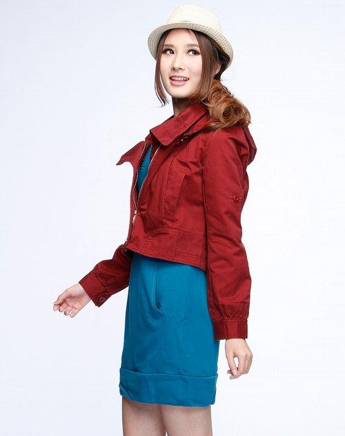 女款酒红色连帽长袖小外套