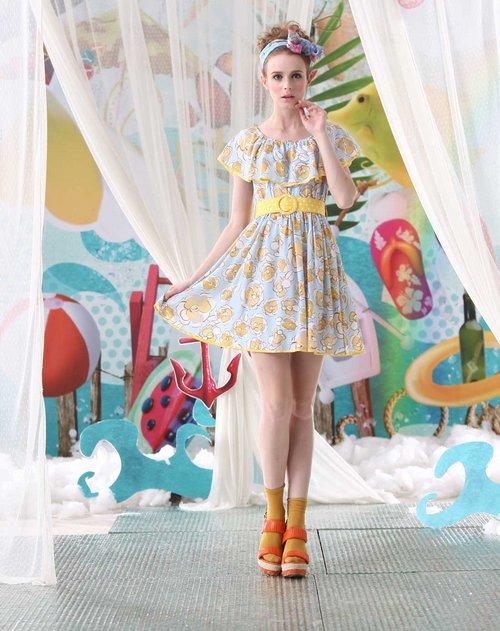 浅蓝/黄色飘逸印花荷叶花边短袖连衣裙