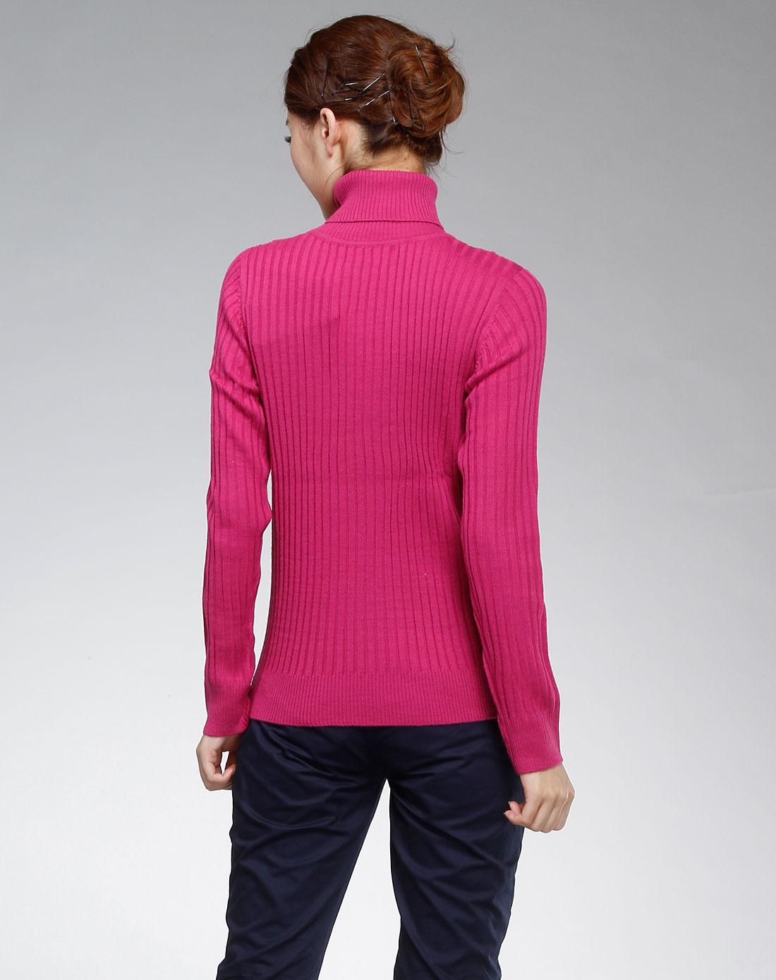 玫红色条纹高领长袖针织衫
