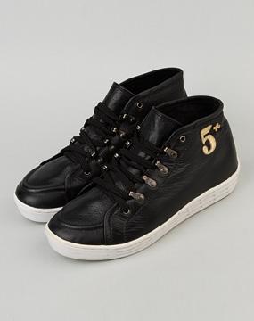 欧时力ochirly 女款黑色5+logo休闲鞋